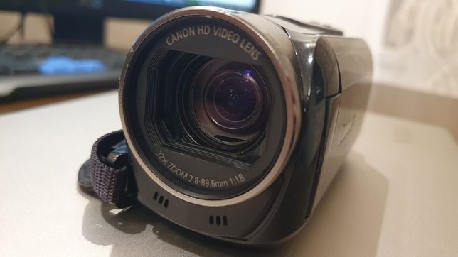 Camera video Canon HFR-506BK, Full HD 60fps si 35Mbps cu touchscreen