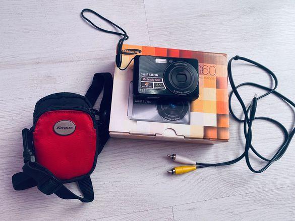 Фотоапарат камера samsung es60 и подарък калъф