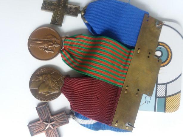 Se vinde: medalii Italia.