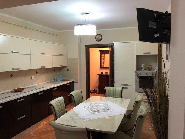 Vand apartament de lux 119 mp blocurile Vega strada Tecuci Galati
