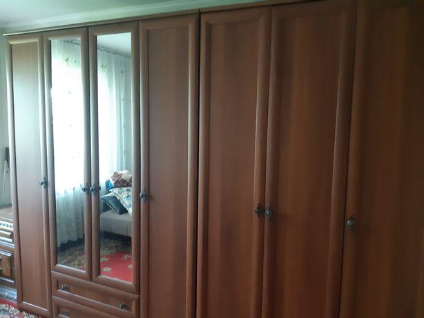 Срочно! Очень большой Шкаф платяной для одежды