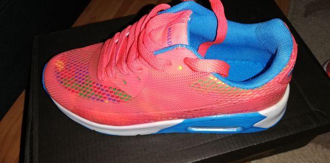 Papuci marimea 36
