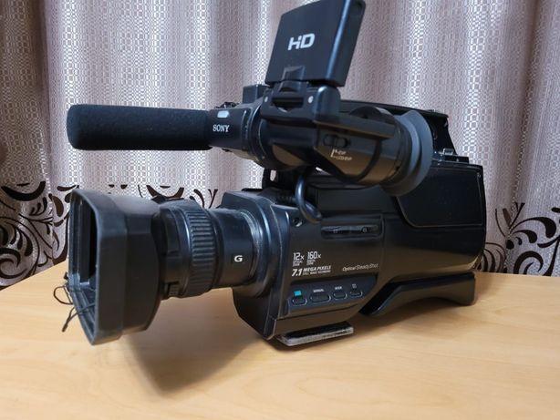 Цифровая профессиональная видеокамера