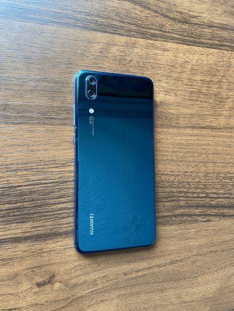 Huawei P20(не lite, не pro)