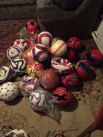 Продам мячи футдбольные и волейбольные мячи!