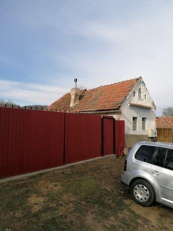 Vând casa și teren în Seica Mare