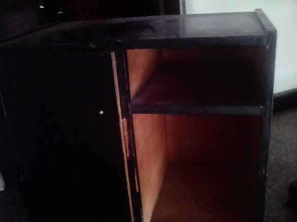 Шкафче  с колелца