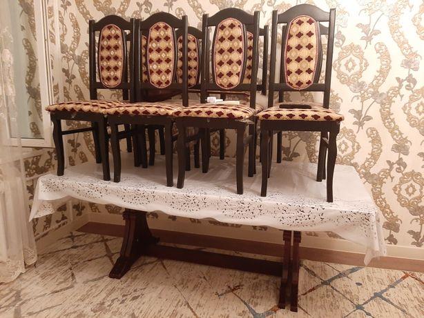 Стол со стулями