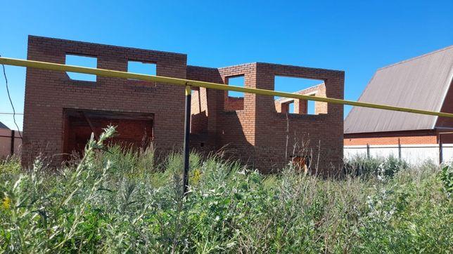 Продам участок с недостроенным домом