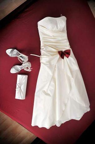 Сватбена рокля екрю