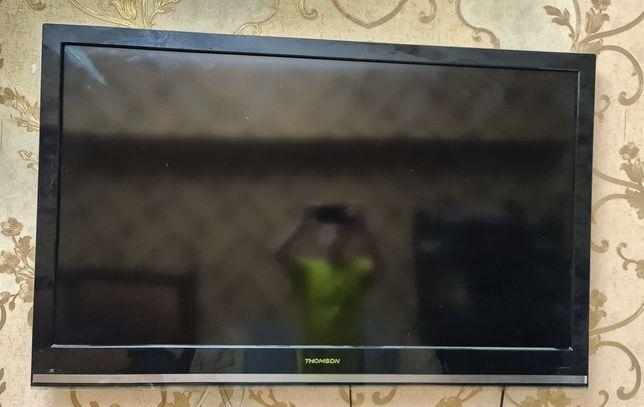 Телевизор Thompson 117 см на запчасти