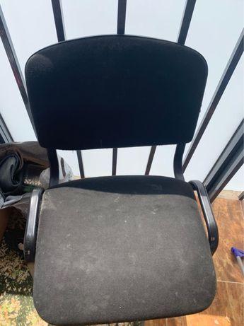 Офисные стулья недорого СРОЧНО