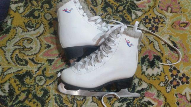 Белые Фигурные Коньки TEKU 33 размер