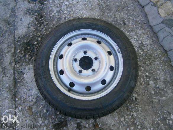 Продавам лятна гума за бус 195/65/16ц. марка мишелин 10мм. е грайфера