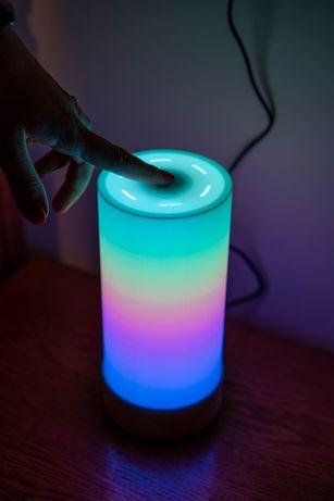 Lampa LED RGB WiFi cu control smartphone și efecte de lumini la sunete