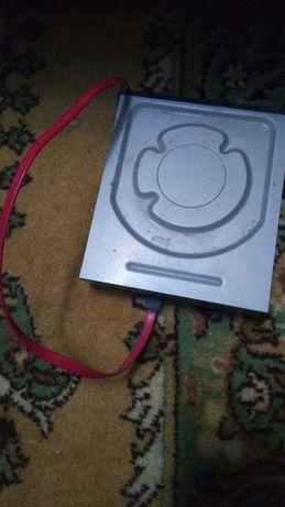 старый дисковод.