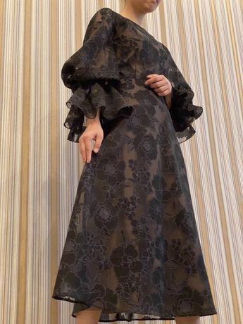 Продам новое платье от Lichi