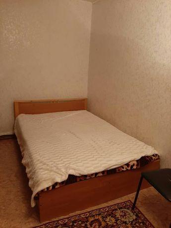 Продаю кровать двухспальный хорошем состоянии