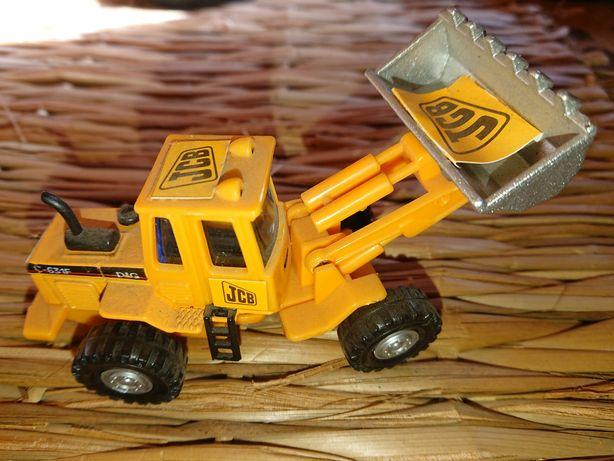 Buldoexcavator Jcb dig 631 F, welly