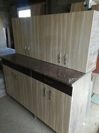 Кухонный гарнитур новый, +стол и 4  табуретки