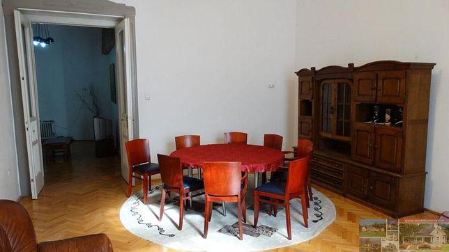 Apartament la casa 4 camere de inchiriat, str Republicii
