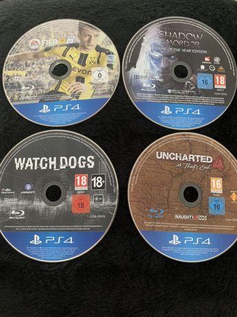 Vând jocuri PS4
