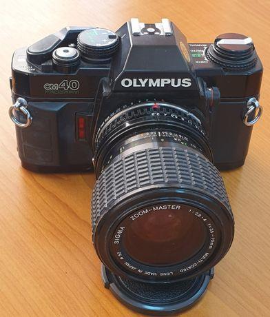 Olympus OM40 cu zoom 35-70mm