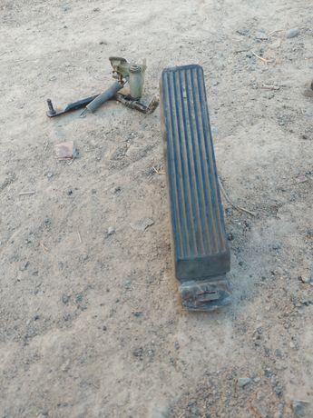 Zavwastmers 124 kuzof gaz pedaly