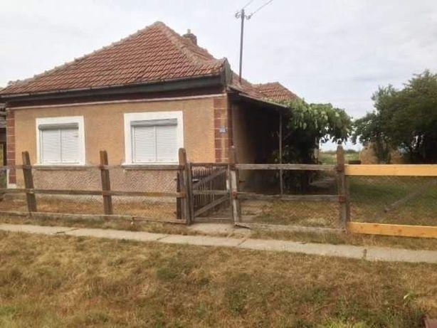 VAND casa sau SCHIMB cu apartament in zona Brasov,Cluj etc.