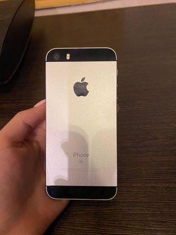 iPhone SE (1 - поколения)