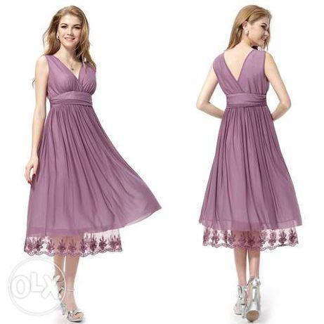 Платье с двойным V-образным вырезом и кружевом