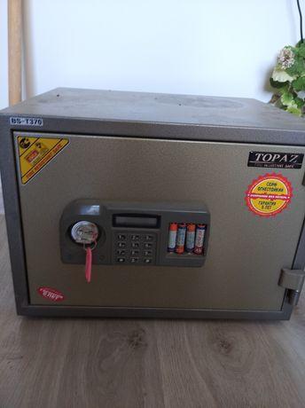 Огнестойкий сейф Топаз BST 370