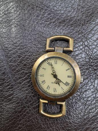 Часы ручные женские.