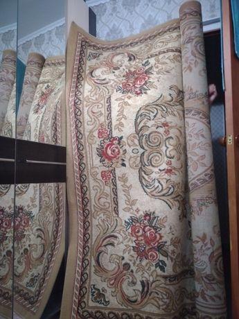 Продам ковры в хорошем.сост