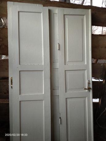 Продам двери двухстворчатые