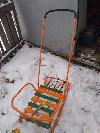 Детские санки пользовались одну зиму