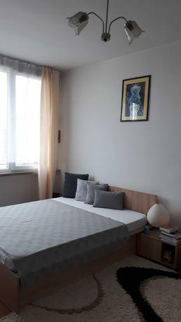 спалня патрик (виденов) с подматрачна рамка и две нощни шкафчета