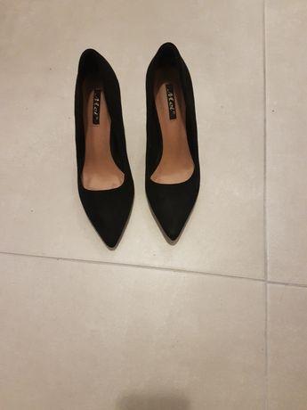 Vand pantofi stileto