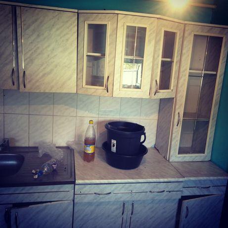 Продам кухный гарнитур Сост норма , Кухня 15000т, двери 2шт по 4500т