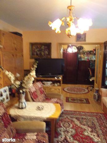 Apartament 3 camere,tip C Sovata, hol patrat