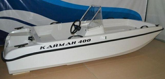 Моторная лодка Кайман 400 в идеальном состоянии