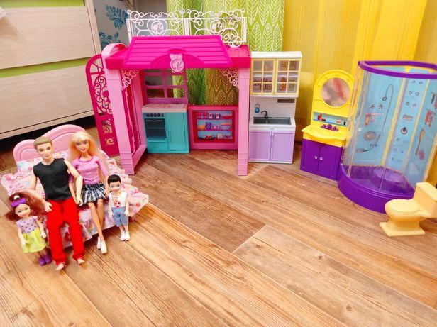 Продам пакет игрушек для девочки. Домик куклы