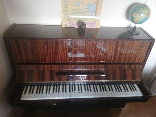 Vând pianina Zapd (piano Zaria, Zarja) are aprox 40 - 50 ani