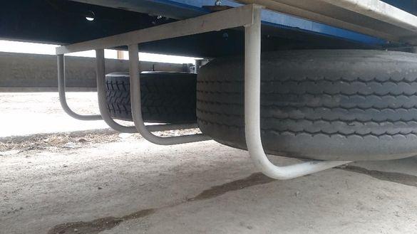 стойка за резервни гуми на полуремарке- двойна