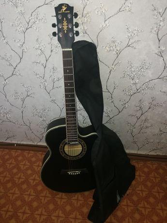 Продам гитару, без настройки