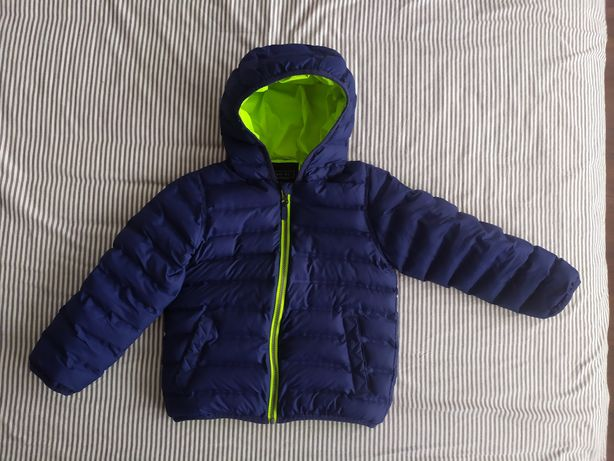 Срочно продам куртку Next на 4-5 лет