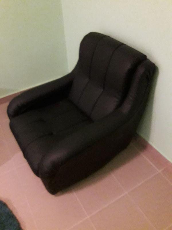 Продавам черен фотьойл еко кожа като нов !!! гр. Пловдив - image 1