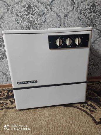 """Продам  стиральную машинку """"Сибирь"""""""