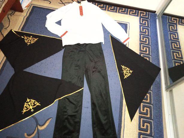 Продам срочно мужской национальный костюм