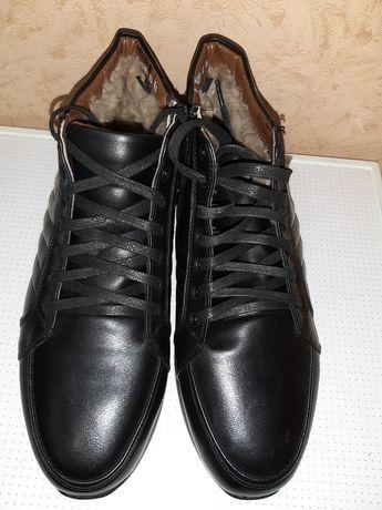 Продам зимнюю обувь